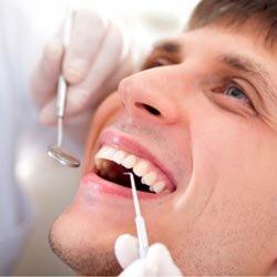 Пломбирование зубов.